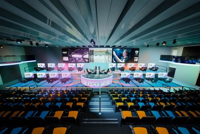 Esports Events 2020.Miami Will Get Esports Racing Arena In Early 2020 Venturebeat