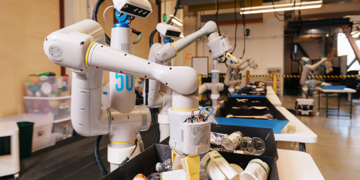 Robots sorting compost, recycling, and landfill waste at the Alphabet offices