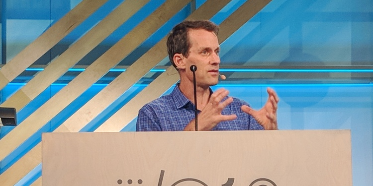 Google AI chief Jeff Dean speaks with members of the AI community and press at the I/O developer conference on May 8, 2018.
