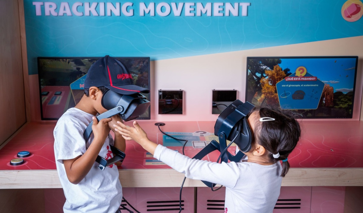 Reinventing Reality VR exhibit opens for girls at Lawrence Hall of Science