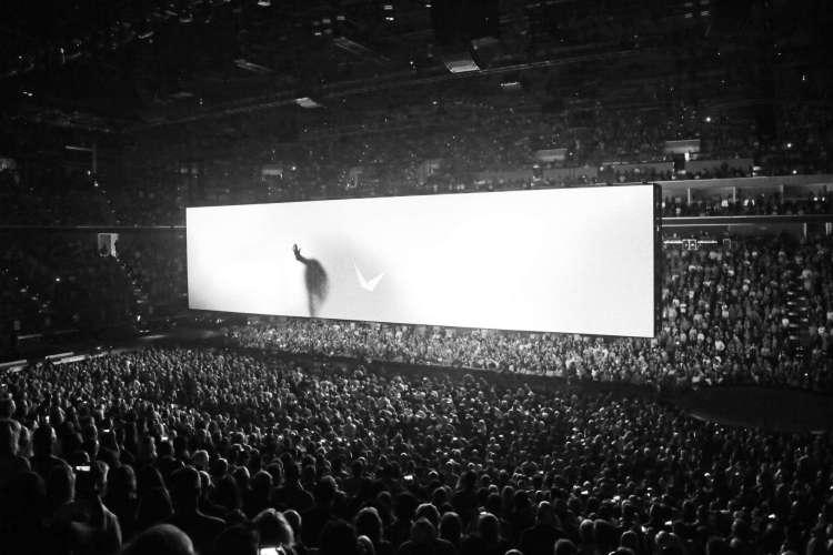 Es Delvin for U2 - Experience & Innocence Tour AR