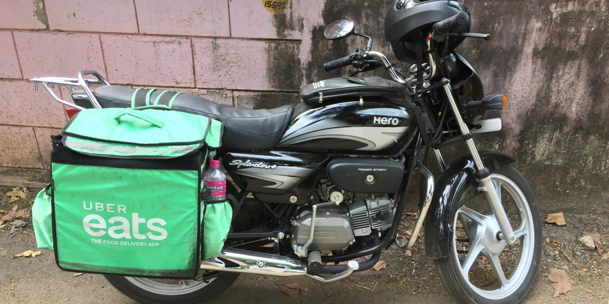 Uber Eats bag on a motorbike in Thrikkannapuram, Kerala, India. (Photo by Creative Touch Imaging Ltd./NurPhoto via Getty Images)