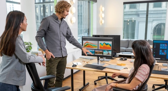One of HP's new 27-inch monitors.
