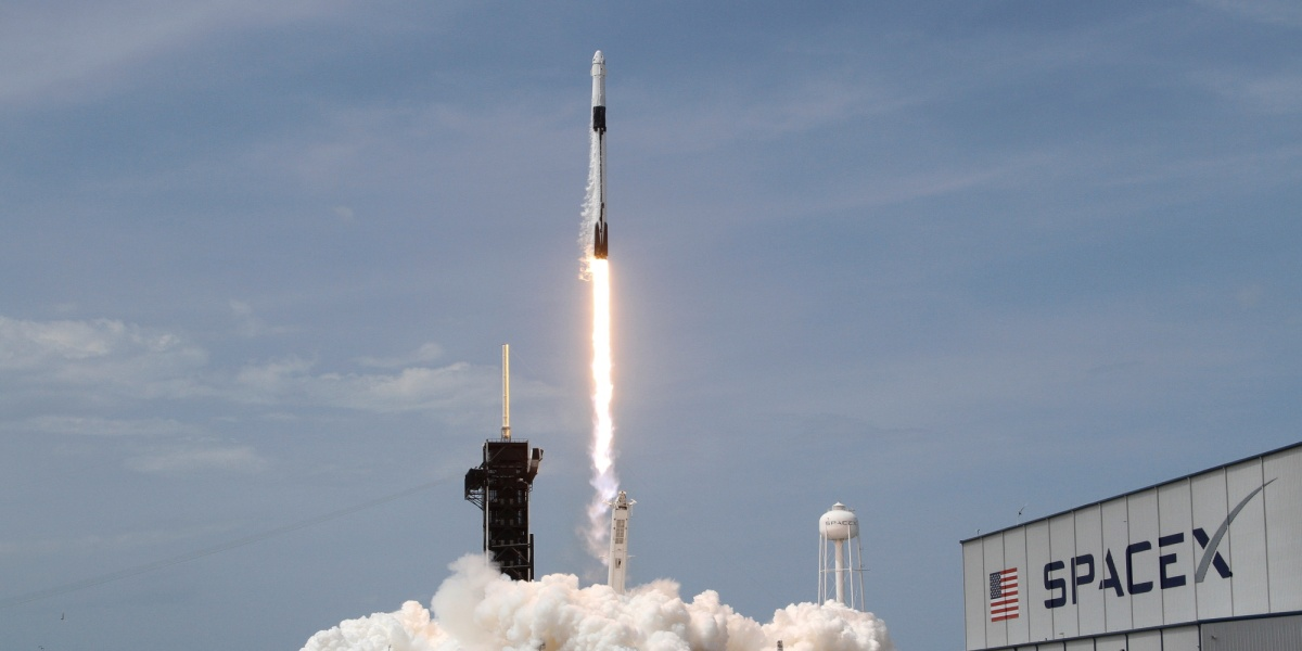 Image of article 'NASA resumes human spaceflight from U.S. soil with SpaceX launch'