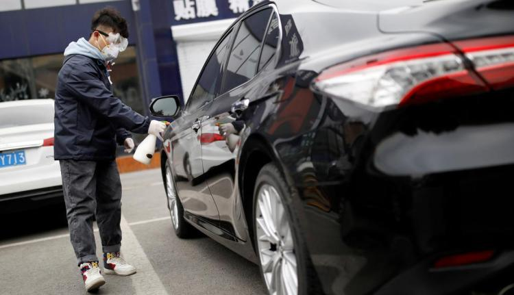Technology NewsJune 8, 2020 / 5:03 AM / Updated 6 hours agoDidi Chuxing CEO says ride sharing orders recover to pre-pandemic levels2 Min ReadFILE PHOTO: A staff member disinfects a vehicle at a service centre of car-hailing service Didi Chuxing, as the country is hit by an outbreak of the new coronavirus, in Beijing, China February 27, 2020. REUTERS/Carlos Garcia Rawlins/File Photo