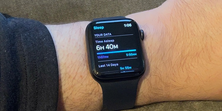 An Apple Watch Series 6 with watchOS 7 sleep tracking.