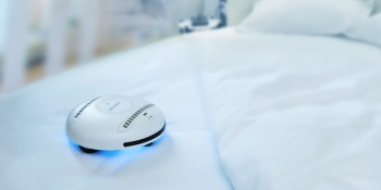 This little robot kills 99.99% of germs and viruses