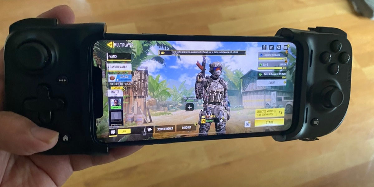 The Razer Kishi works well with Call of Duty: Mobile.