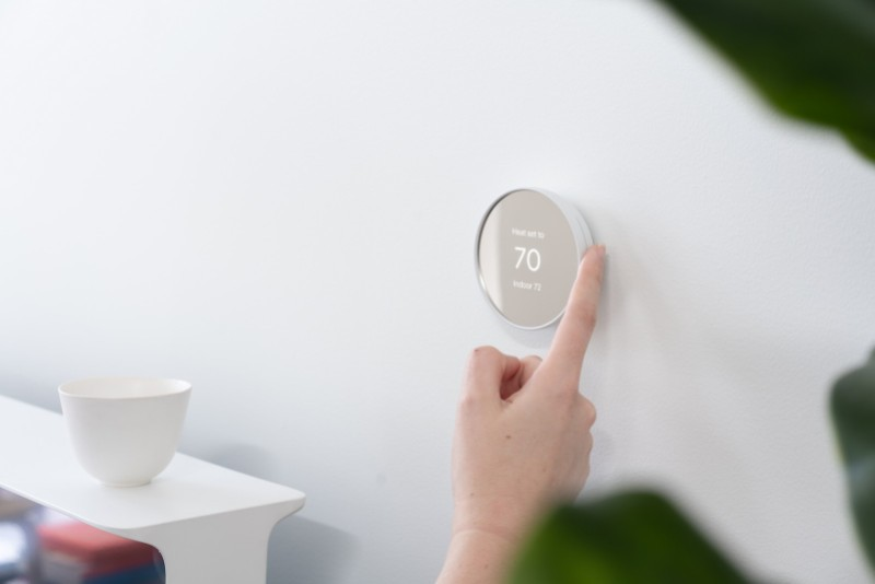 NEST'S NEW THERMOSTAT HAS A SOLI GESTURE SENSOR BUILT IN