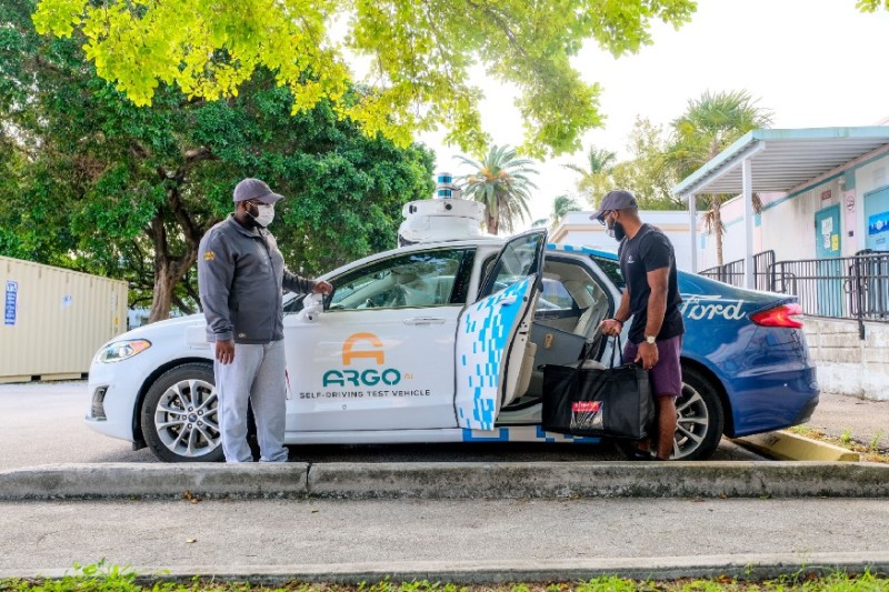 Ford and Argo AI kick off charitable food delivery pilot in Miami