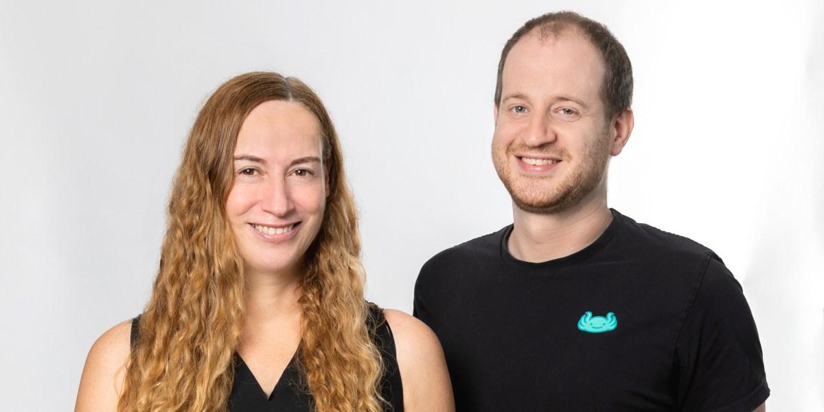 Versetree cofounders Einat Orr (left) and Oz Katz (right)