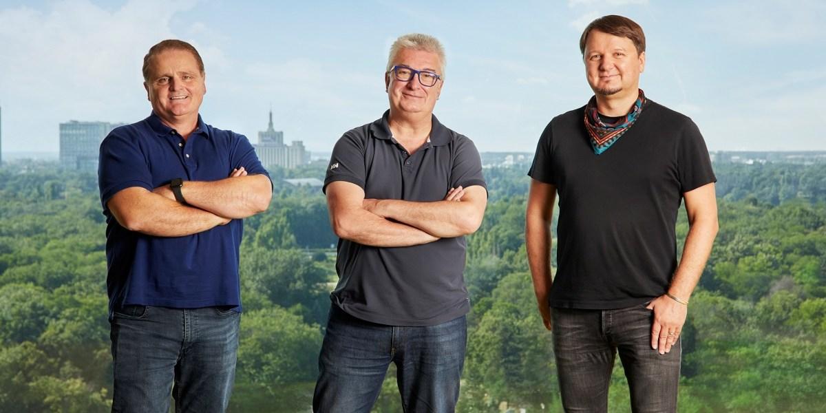 Amber leaders: Brian Waddle (left), Jaime Gine, and Mihai Pohantu.