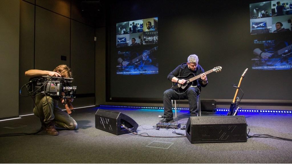 Guitar player landmark 8K livestream concert Intel